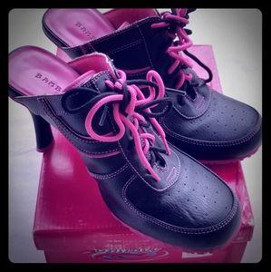 """Bamboo """"BALLER-22"""" Black / Hot Pink High Heel"""